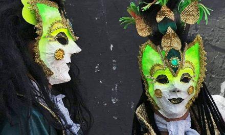 Mascarados, Papaguns e foliões anônimos do Carnaval 2019 de Serra Negra em destaque