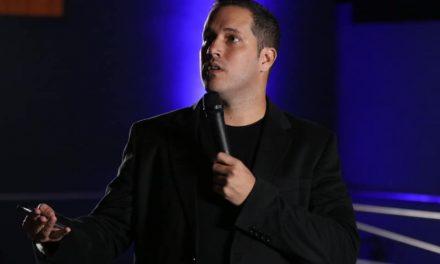 Como Falar Melhor em Público é tema de curso ministrado por Diego Pérez no Bugan Hotel