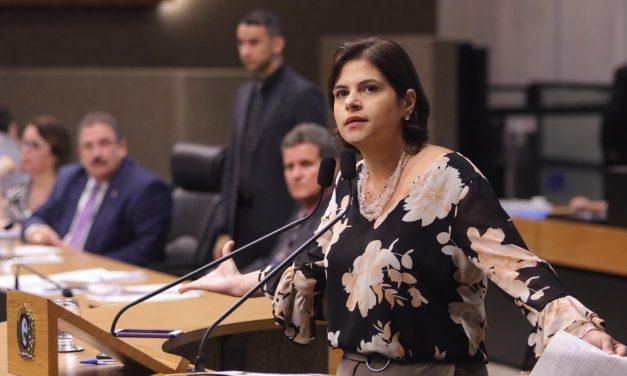 Prédios públicos devem R$ 41,6 milhões à Compesa e governo pede reajuste, alerta Priscila Krause