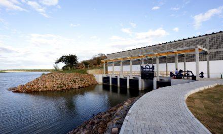 Iniciada obra que beneficia dez distritos de Sertânia com água da Transposição do Rio São Francisco